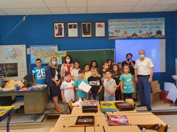 T.C Brüksel Eğitim Müşaviri sayın Neslihan Karataş Durmuş Houthalen Türkçe Kültür dersimize ziyaret etti
